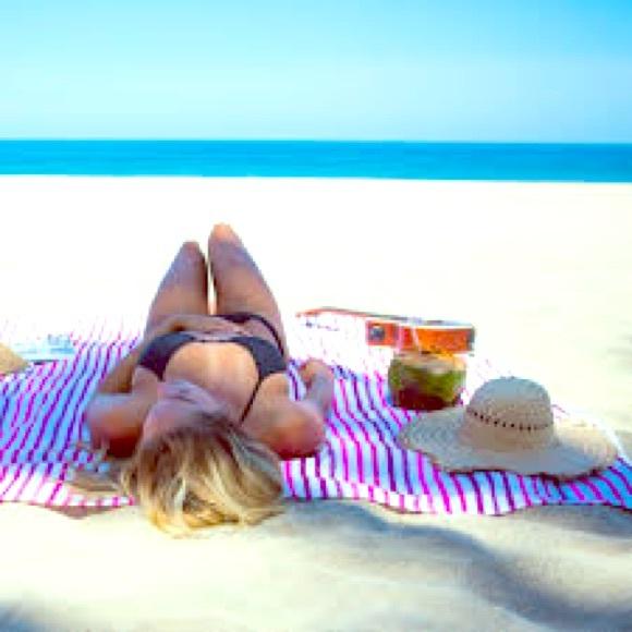 Las Bayadas Beach Blanket 7025bb522